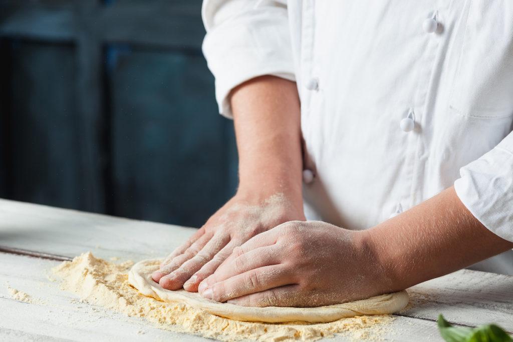 Pinsa Course: Open the Dough