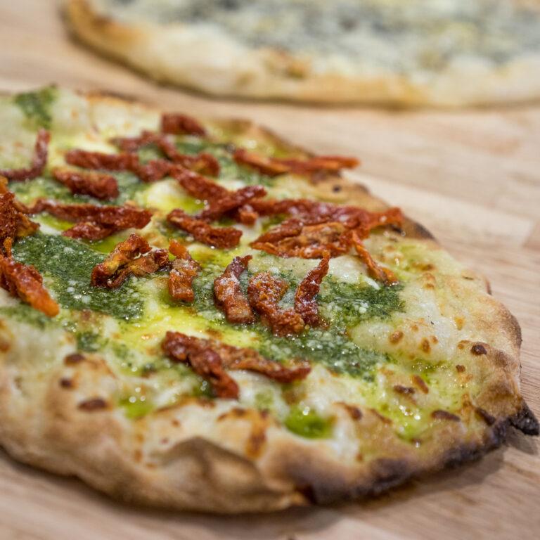 pinsa pesto roman pizza