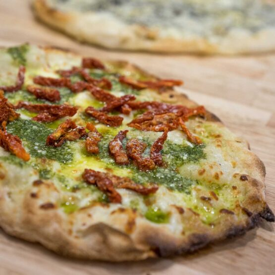 pinsa pesto roman pizza